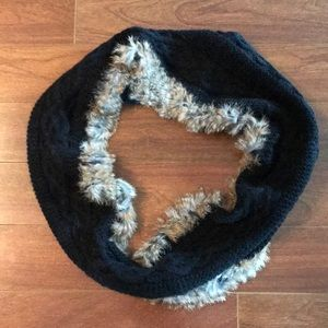 Accessories - Like new!! Rudsak Rabbit fur circle scarf